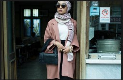 The first hijab wearing model, Mariah Idrissi, in an ad.