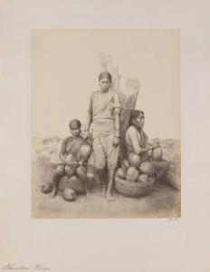 Working Bhundaree Women