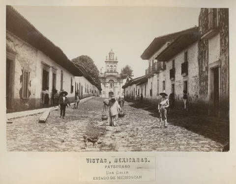 "Different types of people walking through the street. The ""Sistema de Castas"" was implemented during Spanish rule and while it was abolished, roots of it still remained in the society."