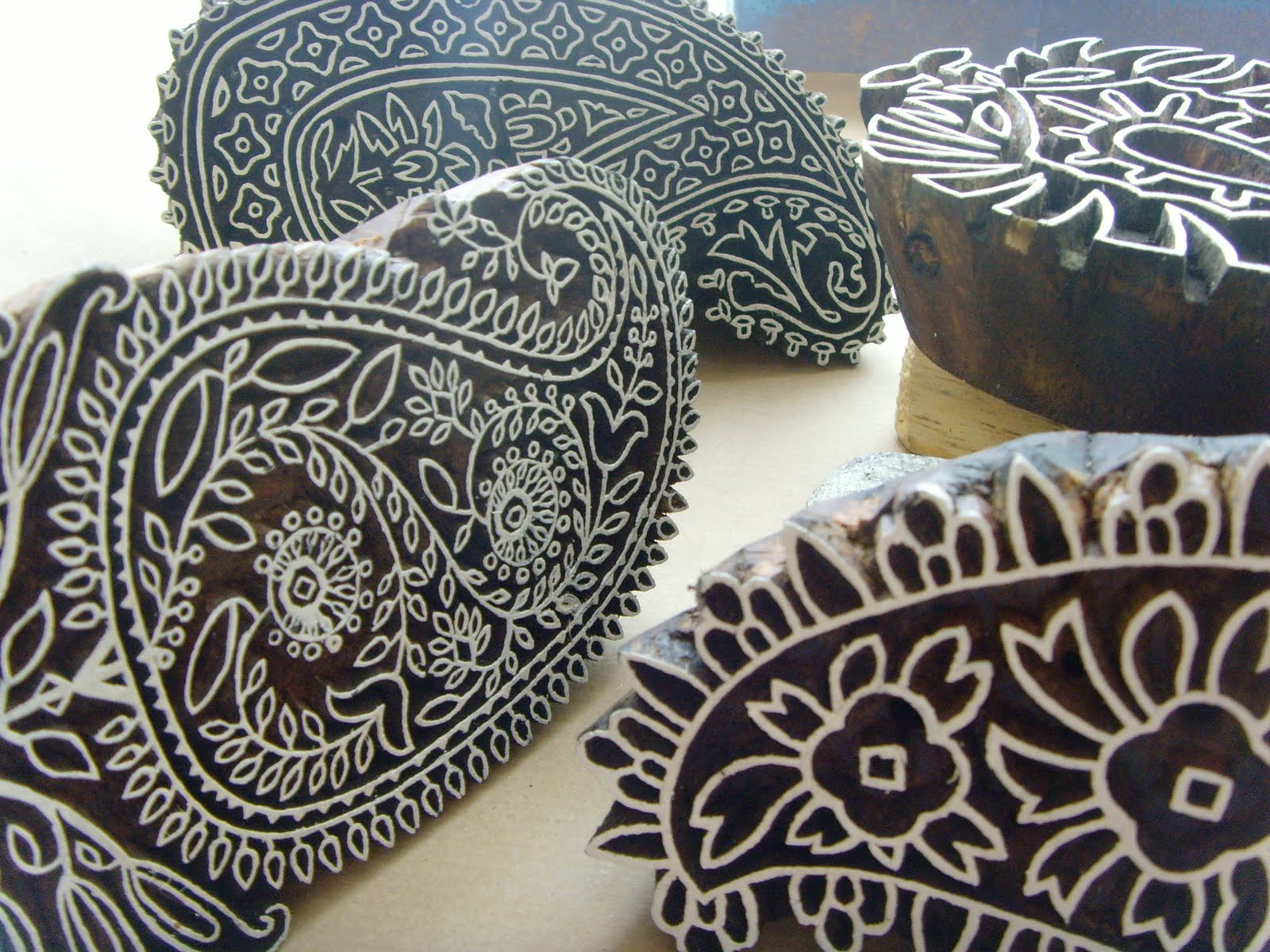 block printing susie le. Black Bedroom Furniture Sets. Home Design Ideas