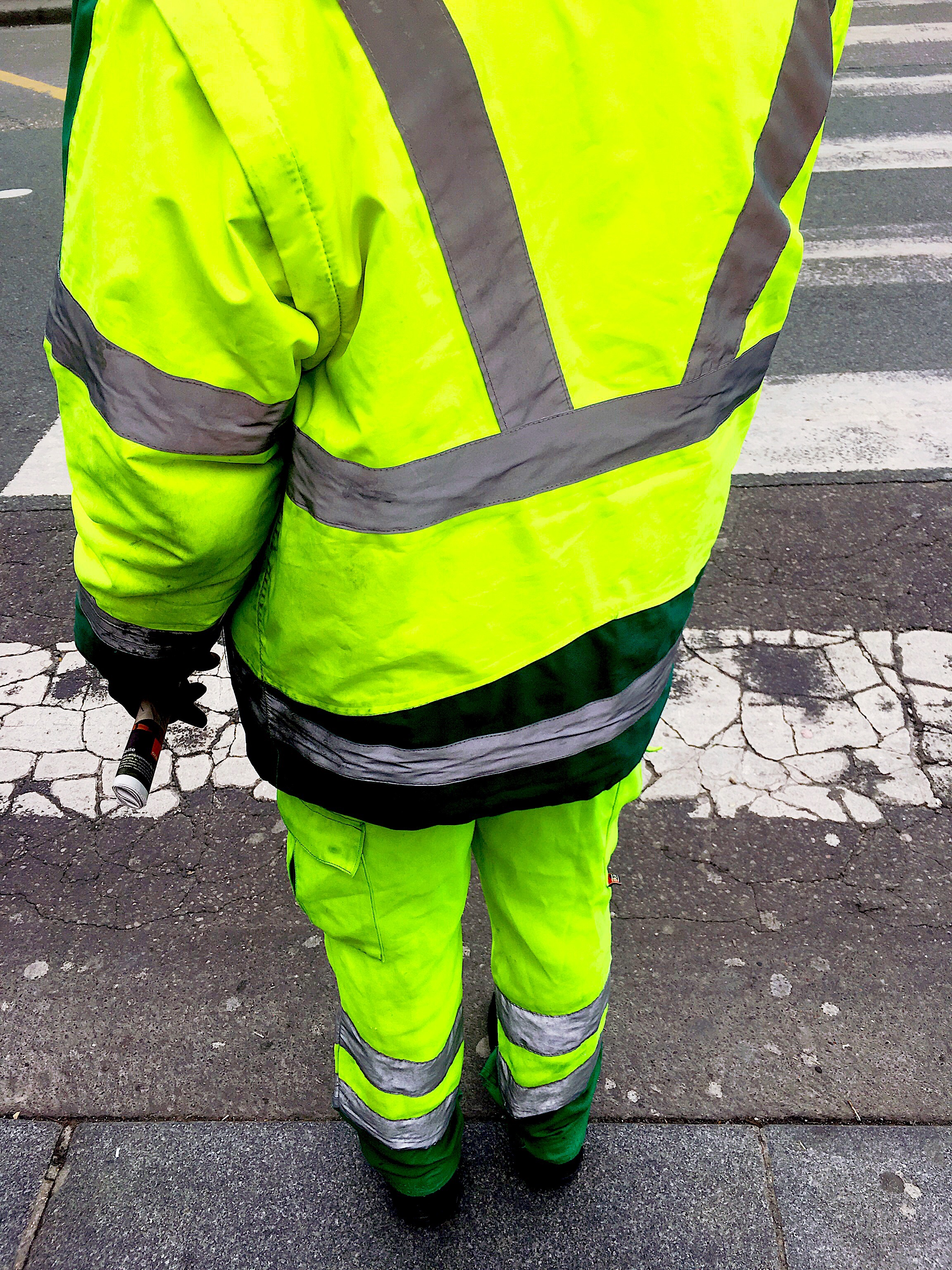 Materials investigation : security jacket / neon street