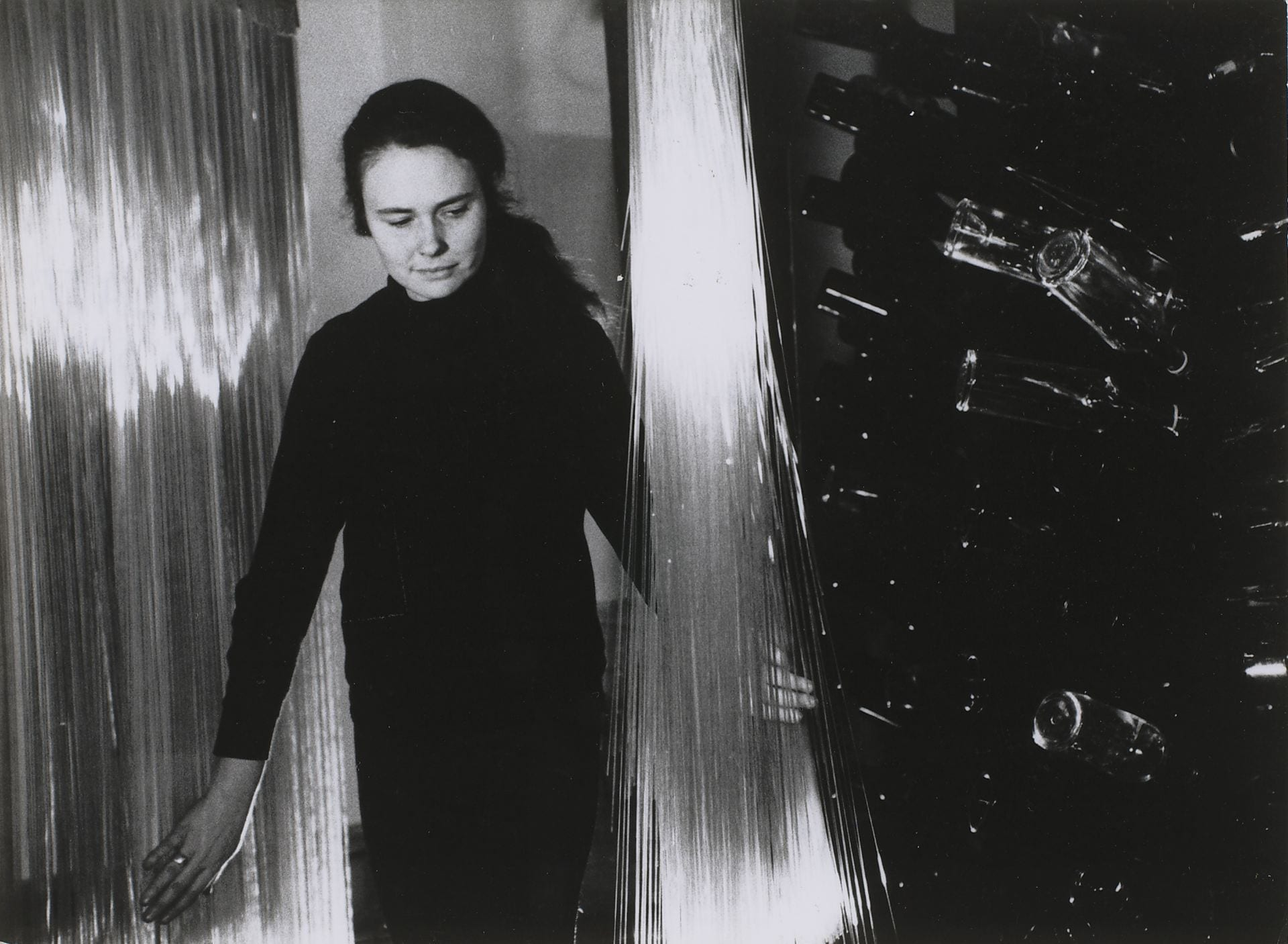 Annea Lockwood – Glass Music