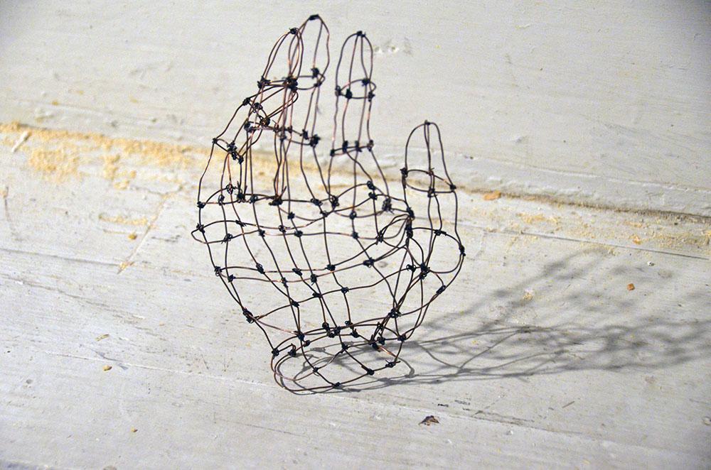 Wire hand