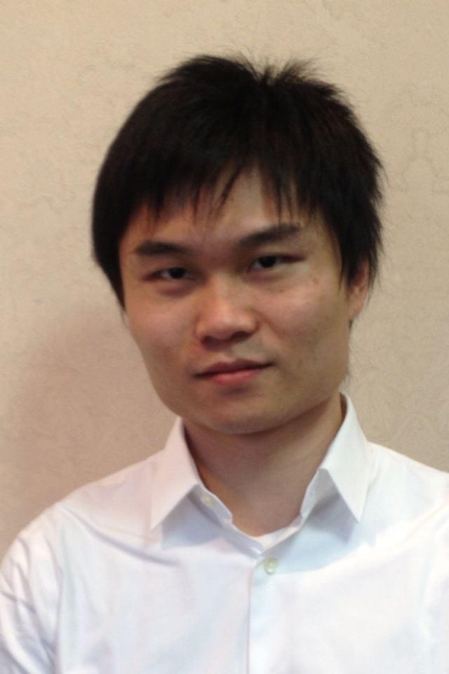 Zhong Zheng headshot