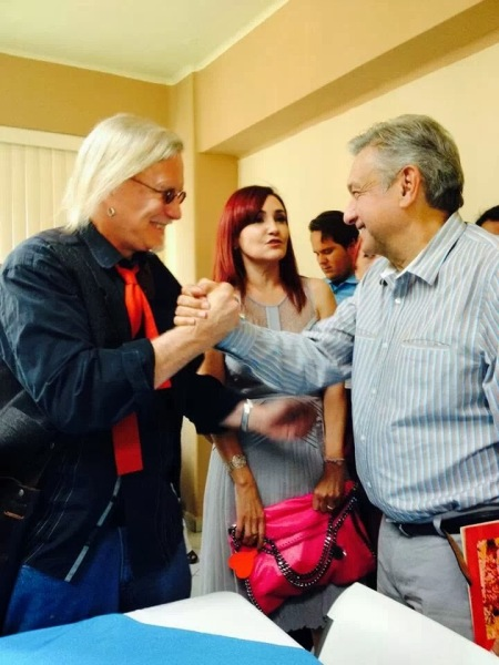 Peter joins Lopez Obrador to support Movimiento Moreno