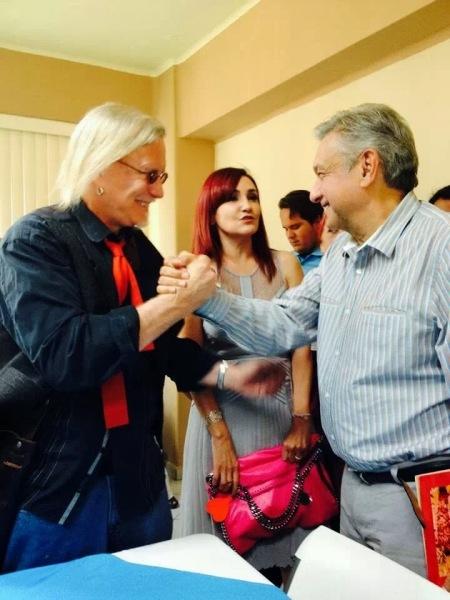 Peter joins Lopez Obrador to support Movimiento Moreno