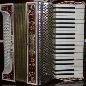 The iconic accordion.
