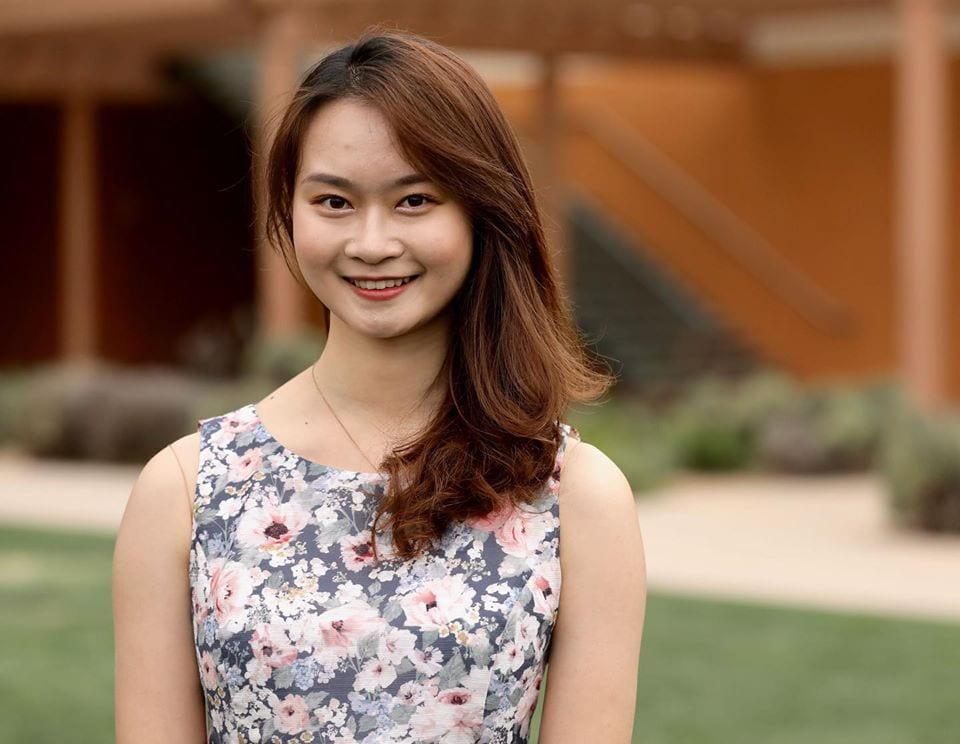 Lucy Deng '22