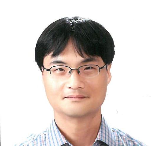 Dr. Yongjin Cho