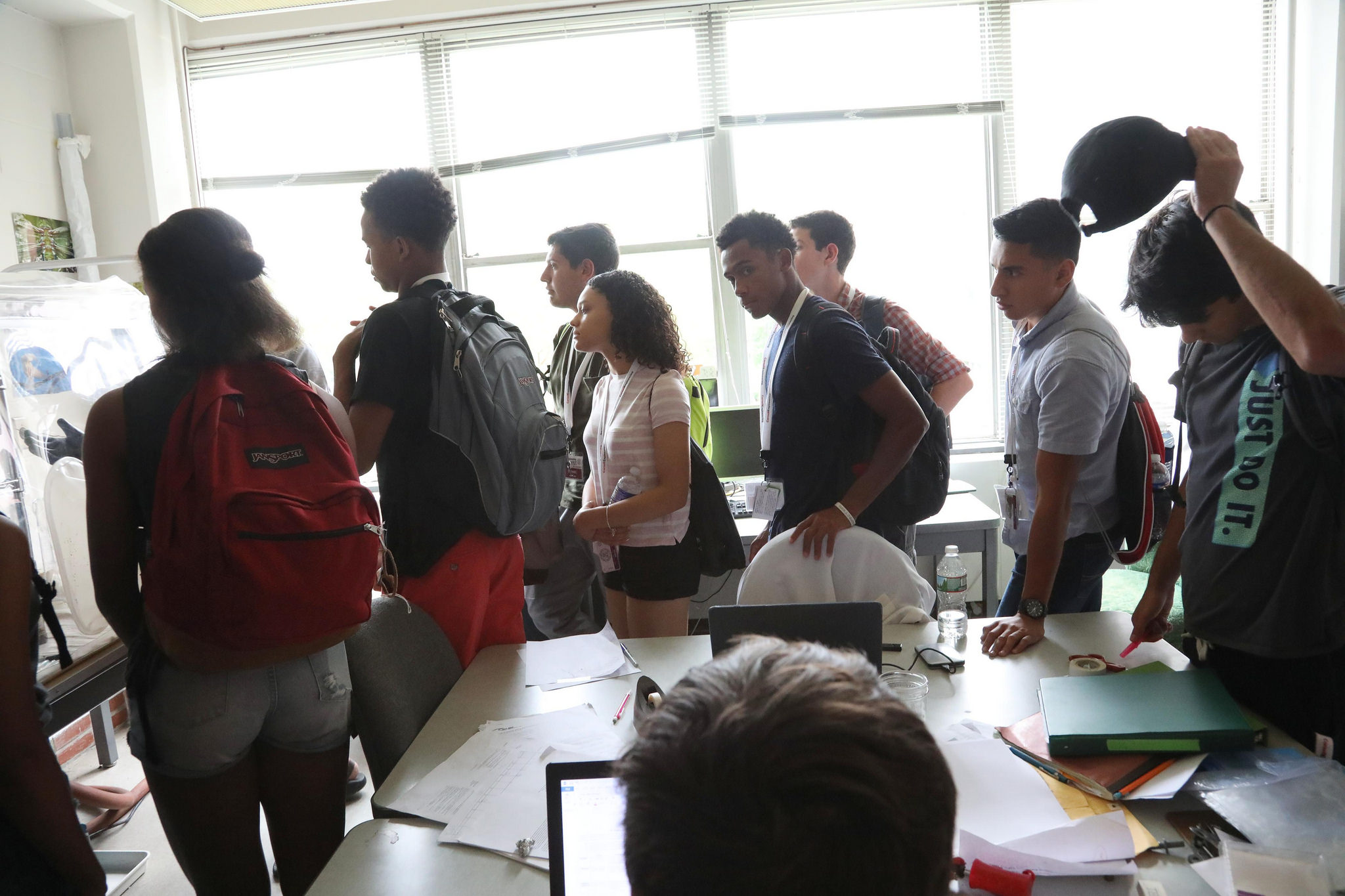 Students observe an experiment