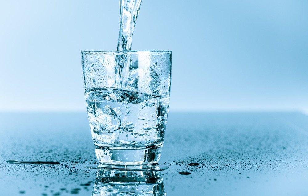 shutterstock_199262555-waterglass-1000x636-2jtftl5
