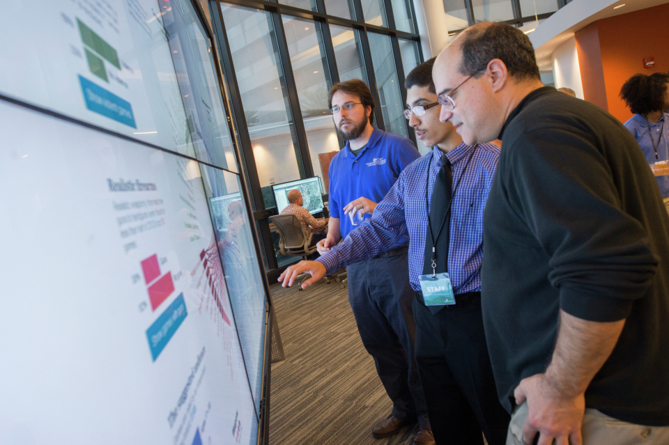 CURVE honors student, Charbel Aoun, visualizes social science data on the interactWall.