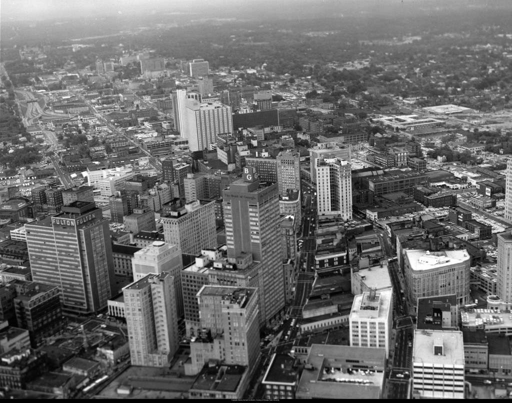 Aerial_view_of_downtown_Atlanta_Georgia_September_29_1962
