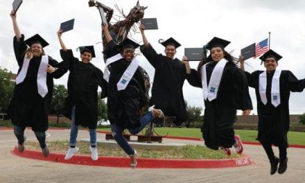 Obtén un Título Universitario Gratuito en la Preparatoria