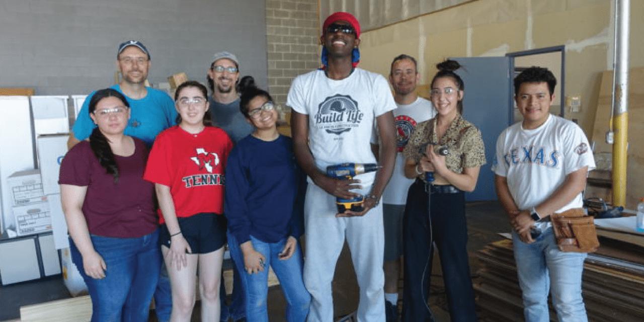 DALLAS CASA NEWSROOM: MacArthur HS Students Build Playhouse