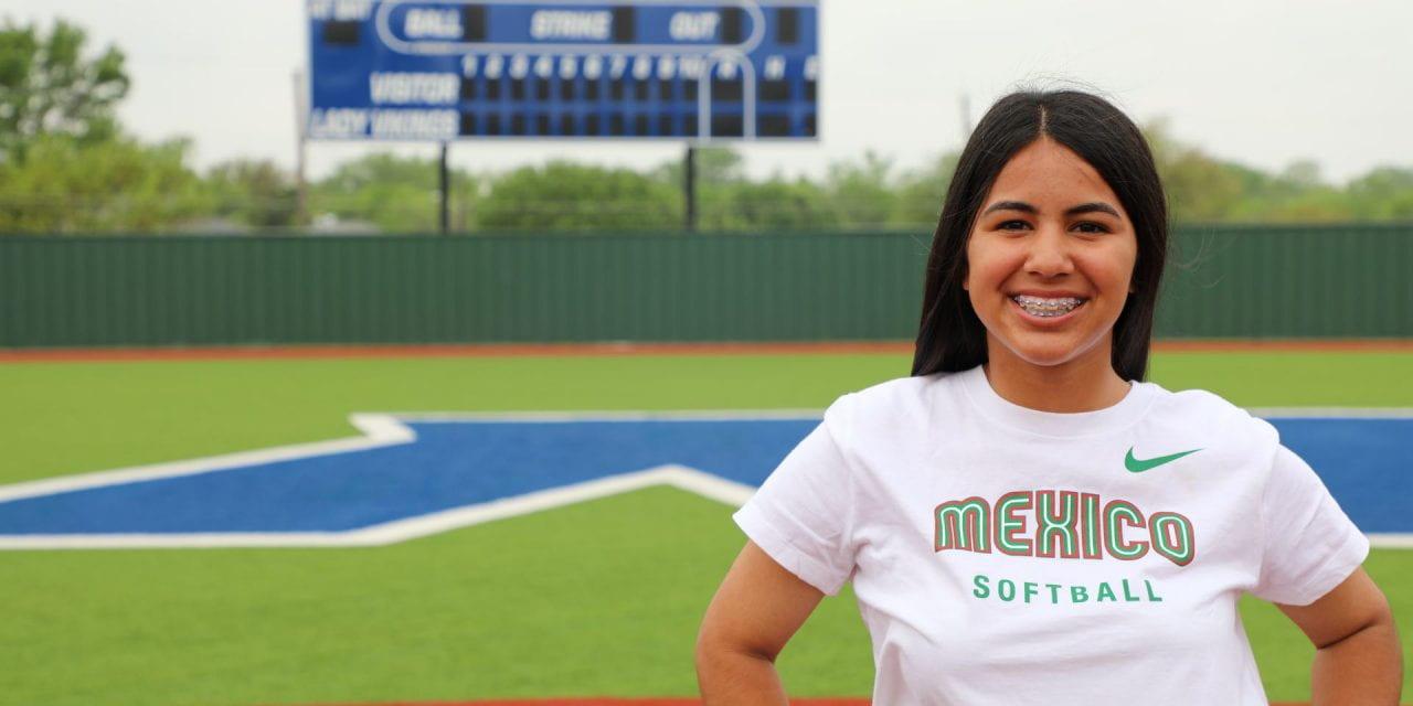 Atleta de Irving ISD Jugará Para la Selección de Softbol Juvenil de México