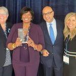 Gerente del programa de educación y alfabetización para adultos de Irving ISD gana el premio nacional