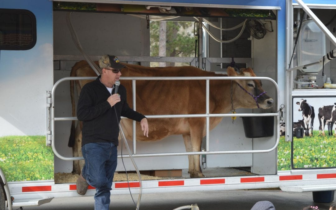 Mobile Dairy Visits Herty Primary