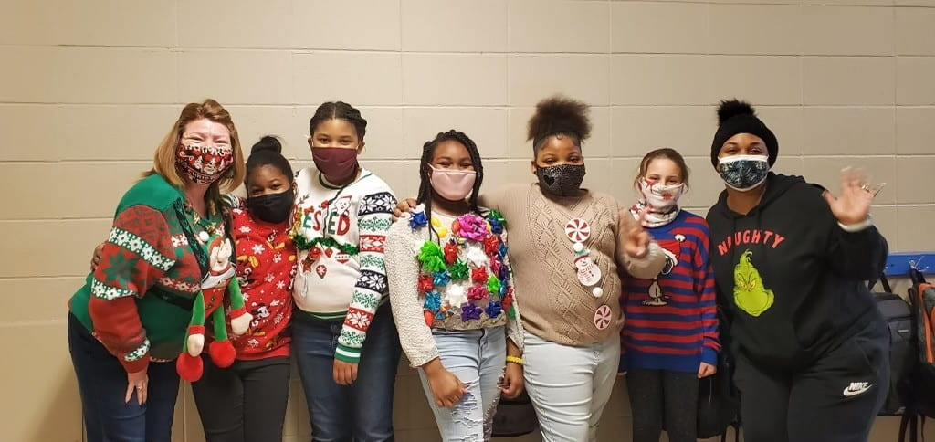 Brookhollow Students & Staff Get Tacky!