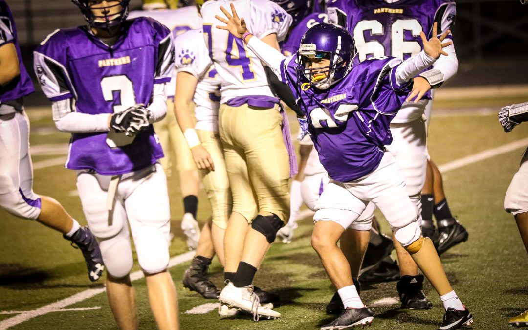 Long snapper with prosthetic leg helps Lufkin freshmen kick go-ahead field goal