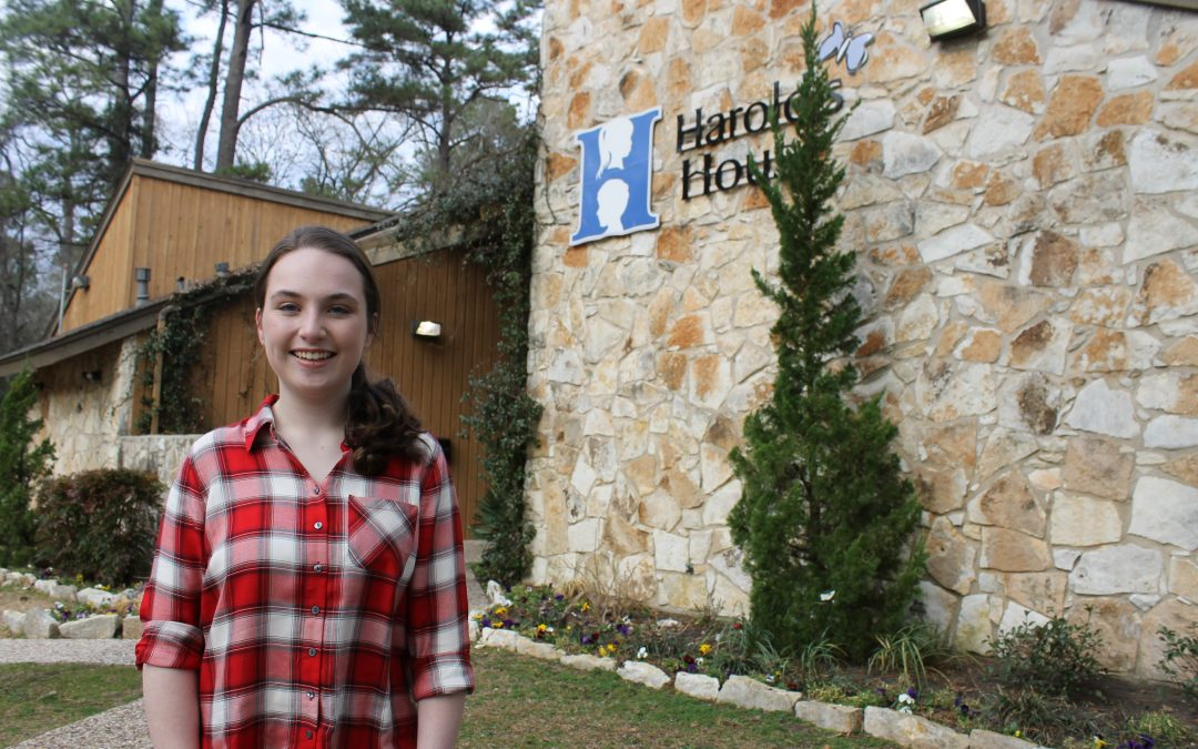 LHS Student Spearheads Gift Card Drive for Harold's House