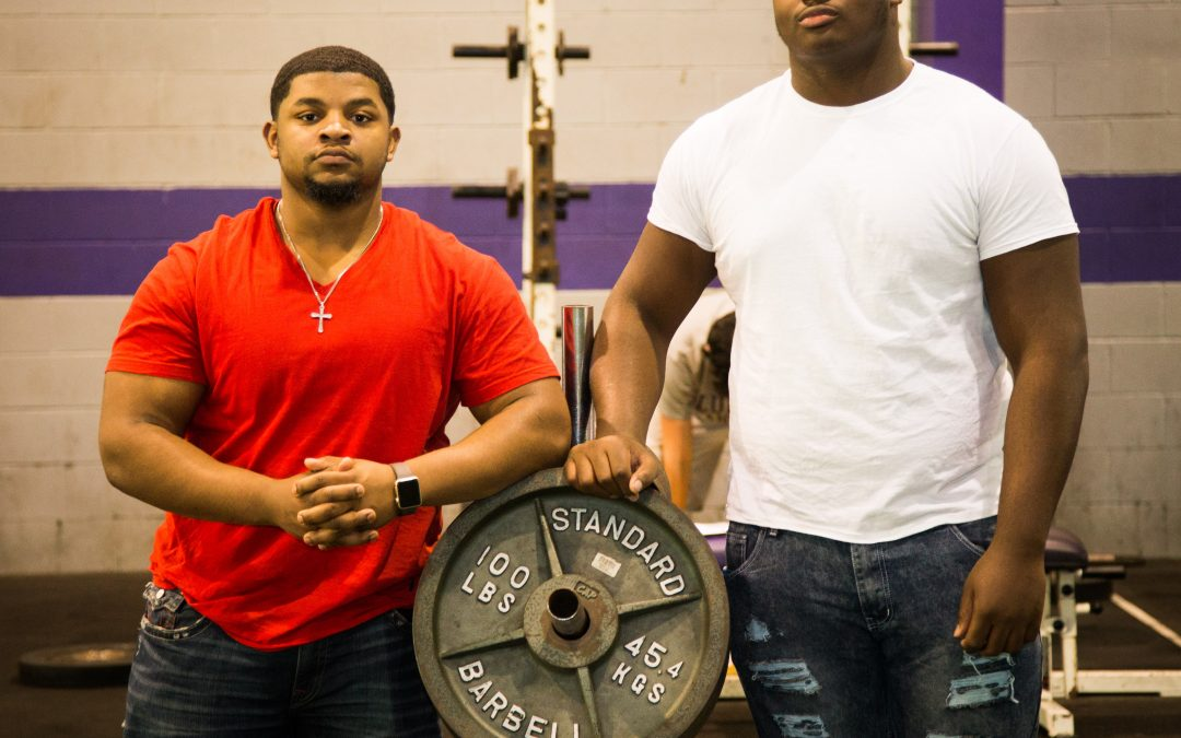 Raising the bar: Two LHS students heading to state in powerlifting