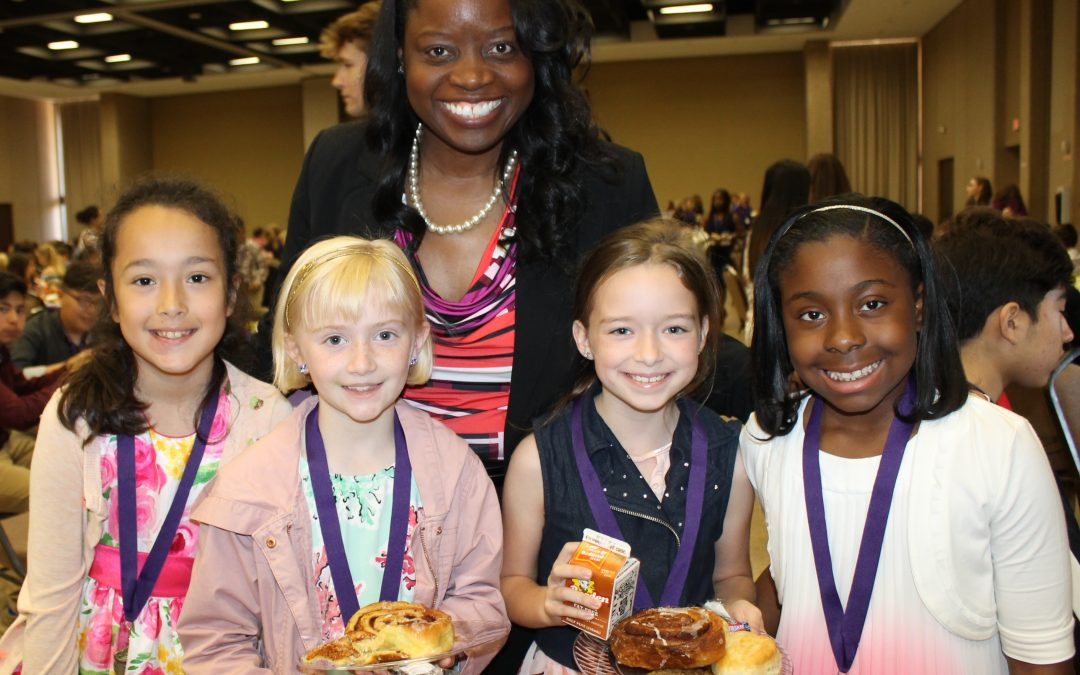 549 students recognized at the Superintendent's Honor Roll Breakfast (photos)