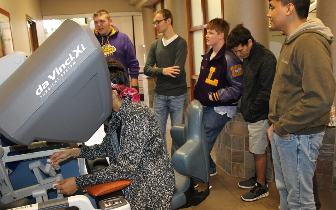 LHS Robotics students test drive surgical robot at Woodland Heights
