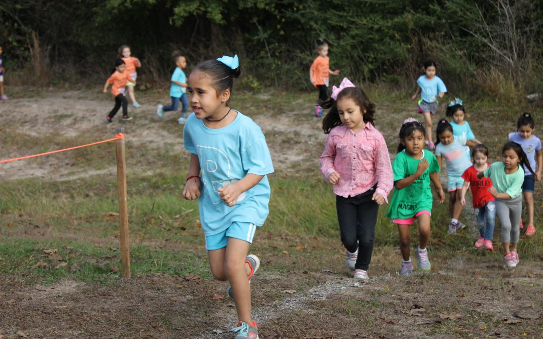 Students gobble up the finish line at the Turkey Trot fundraiser