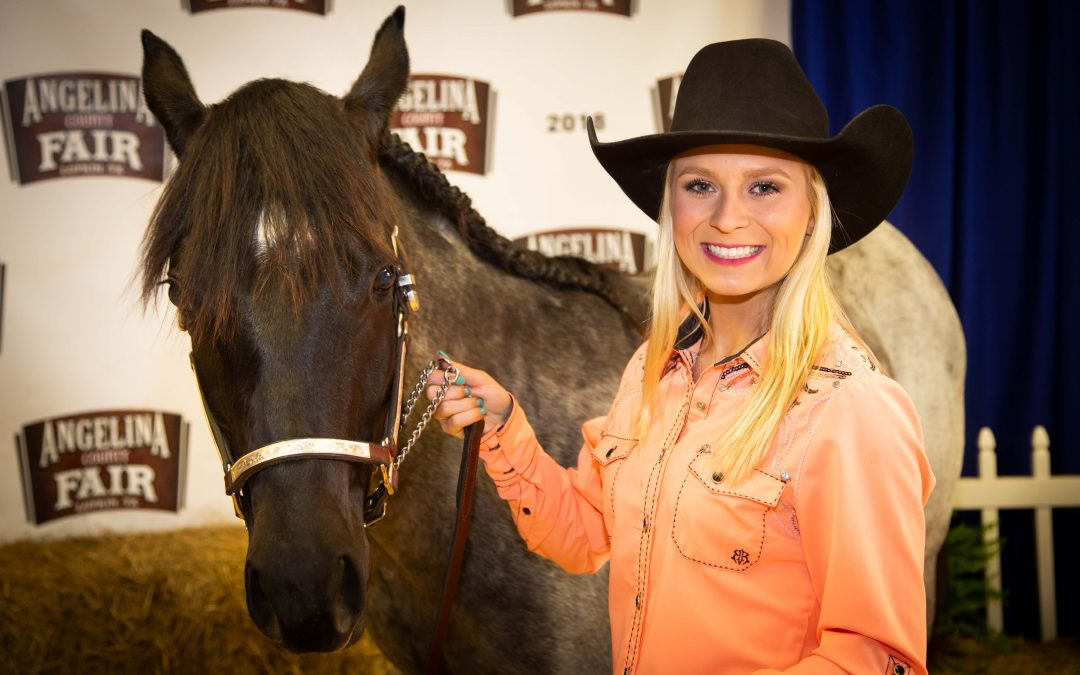 Lufkin High School senior balances rodeo, cheerleading on her way to state