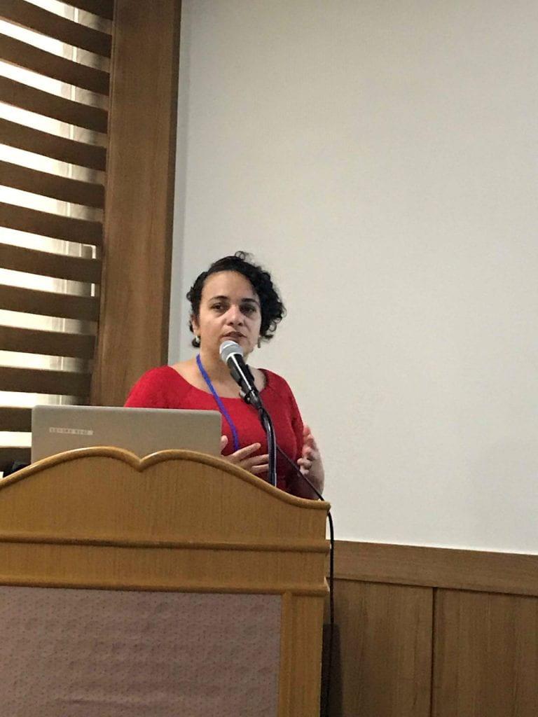 Zaira Rosario Presenting her Research
