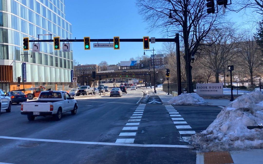 Insane Bike Traffic Signal in Brookline Tells Bikes to Stop when it's Safe to Go