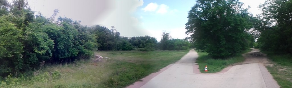 A quick, somewhat messy panoramic of the same portion of the trail.