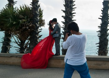 Chinese couple takes pre-wedding pictures, Phuket