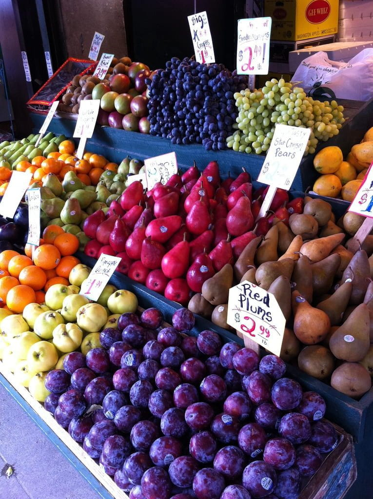 a picture of a fresh fruit stand