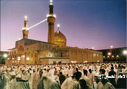 An image showing Shia Muslims visiting a shrine.
