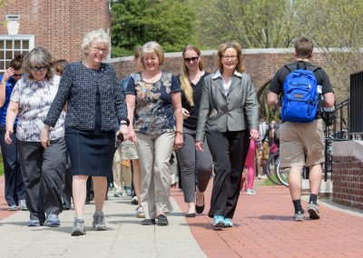 CHS-Wellness-Walking_The_Green-041916