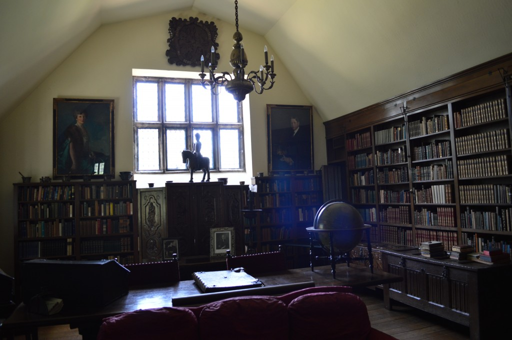 Virginia House Library