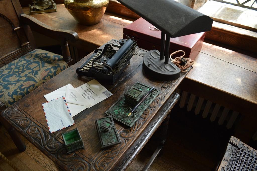 Virginia House Desk