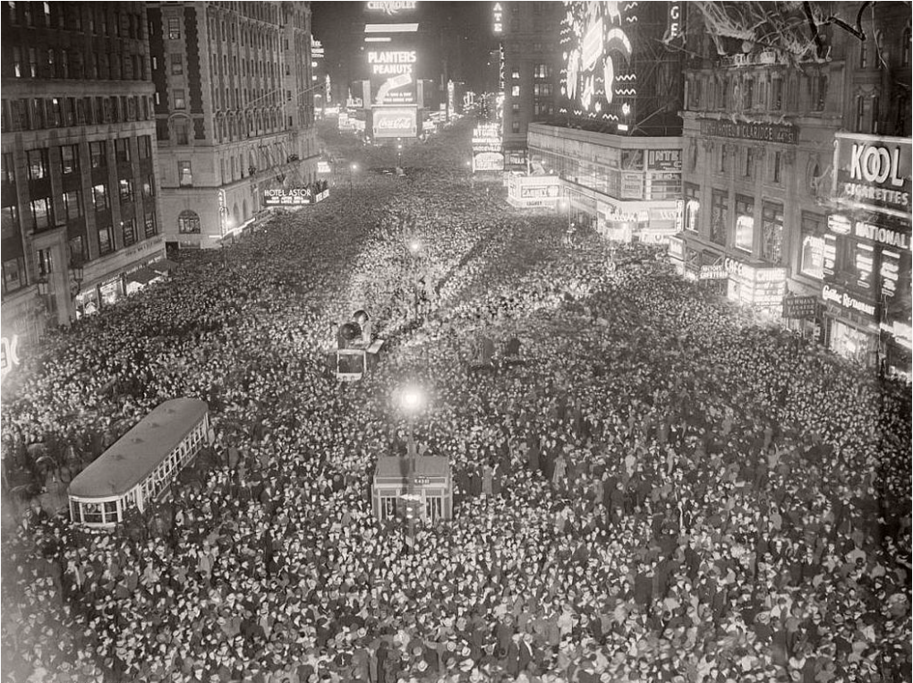 Times Square on New Year's Eve, 1935. Photo courtesy of Monovisions , copyrighted Bettmann/CORBIS