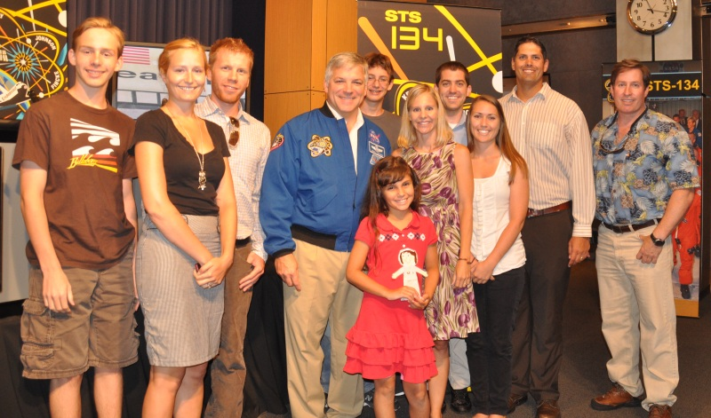Group Photo with Greg Johnson and Flat Samantha (photo by Beth Beck)
