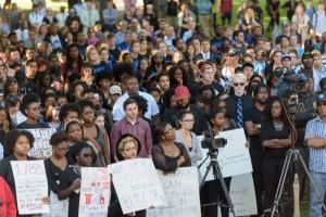 Campus_Dialog_Gathering-Racial_Tensions-092315