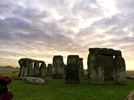 how to get to stonehenge from bath