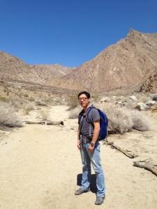 bx_hiking_desert