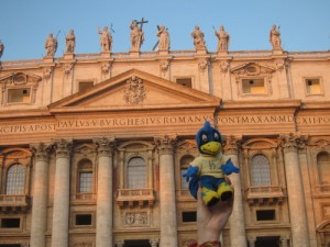 Even YoUDee enjoyed the architecture of St. Peter's Basilica!