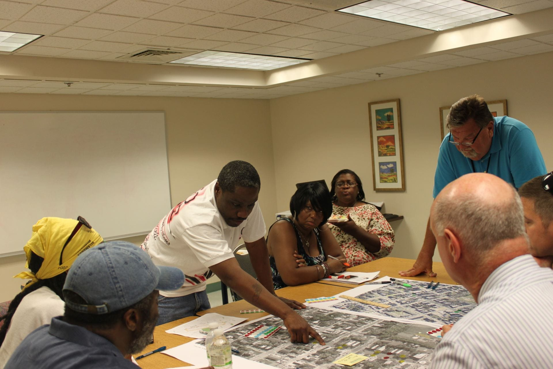 Image of WILMAPCO leading a walkability workshop that engages the public and stakeholders in the process of planning for walkability.