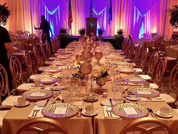 Clayton_Hall_Ballroom_setup_gold-1mkj5wy