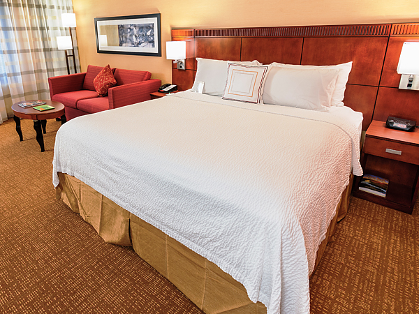 Courtyear_Marriott_Newark_Suite-srpukt
