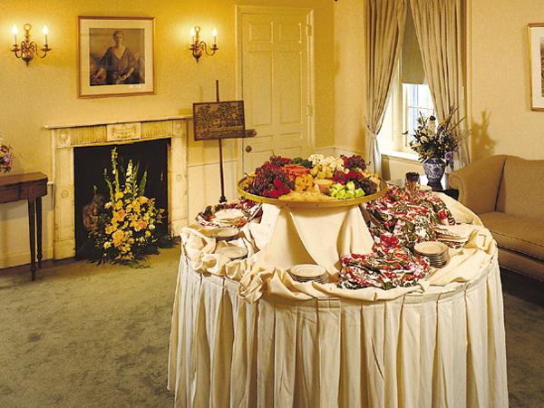 Goodstay_wedding_food_display-19zocqc