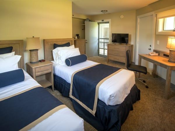 Virden_two_twin_guestroom-2l4giy4